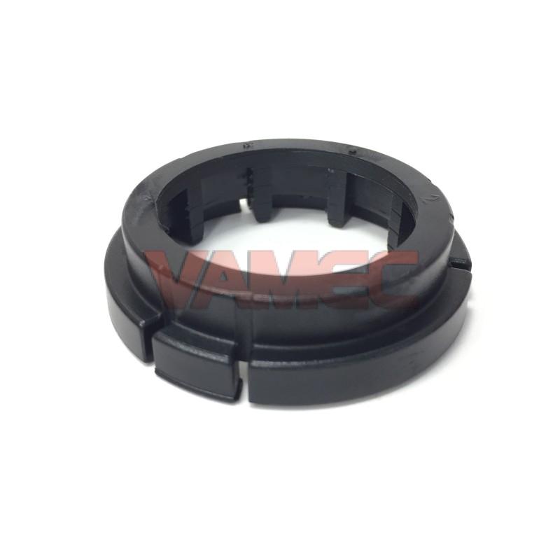 Plastic ring for hub wheel